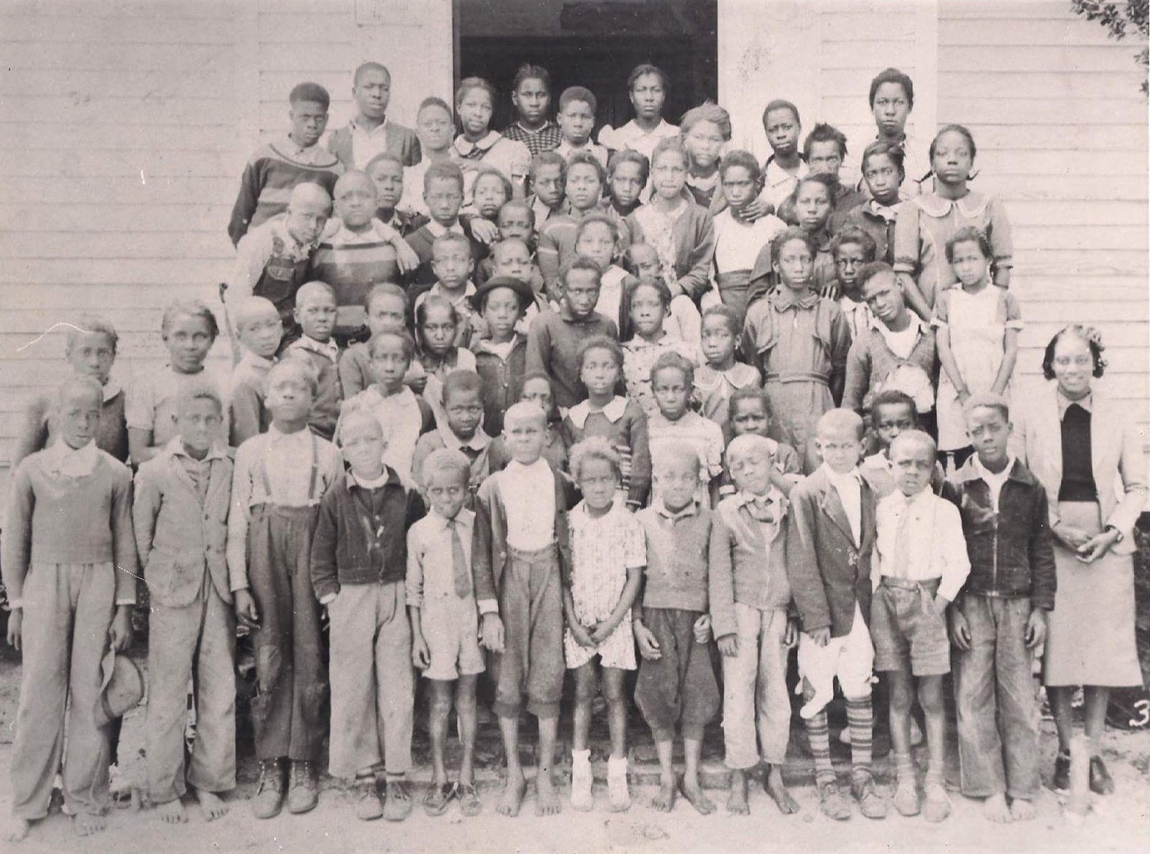 Donella Brown Wilson with students in Fort Motte, 1940s. Image courtesy Minnie Wilson Bivens